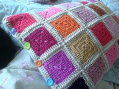 http://8thofthe8thofthe8th.blogspot.com.au/2015/06/solid-granny-square-pillowof-48-squares.html