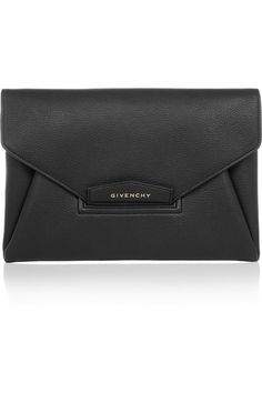 Antigona envelope clutch in black grained leather 5c2d3da9c07b8
