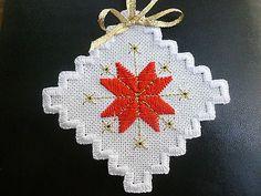 Ornamento de la estrella de Navidad-Hardanger hecho a mano