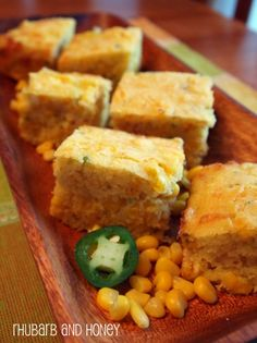 Cheesy Jalapeno Cornbread - how great would this be with chili this fall?!