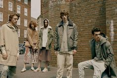 All the latest men's fashion lookbooks and advertising campaigns are showcased at FashionBeans. Click here to see more images from the Pull & Bear Autumn/Winter 2016 Men's Lookbook
