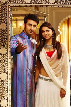 Deepika Padukone and Ranbir Kapoor - Yeh Jawaani Hai Deewani Bollywood Love Quotes, Bollywood Couples, Bollywood Stars, Ranbir Kapoor Deepika Padukone, Deepika Ranveer, Indian Celebrities, Bollywood Celebrities, Bollywood Actress, Indian Outfits