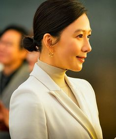 The World of The Married Kim Hee-ae Inspired Earrings 004 Korean Accessories, Gold Accessories, Dr Foster, Sophisticated Style, Elegant, Korean Fashion, Women's Fashion, Size Zero, Blouse And Skirt