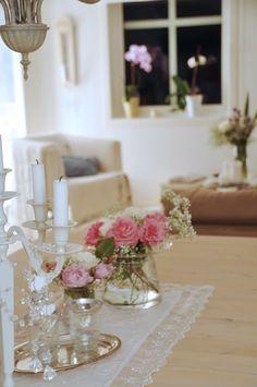 Tischdeko Mit Tulpen Osterdeko Basteln Tisch Dekorieren Tischdeko