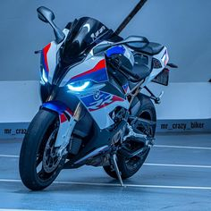 Developing technology and new cars technologies, actual car news, of your car problems and solutions. All of them and more than on begescars. Futuristic Motorcycle, Motorcycle Bike, Yamaha Motorcycles, Cars And Motorcycles, S1000r Bmw, Cool Car Backgrounds, Ninja Bike, Bmw Sport, Bmw Wallpapers
