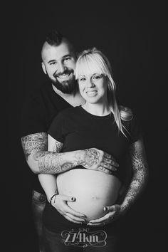703e18db0 Sesión de fotos de embarazo con 3 galgos y un jack russell