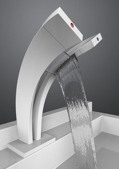 Waterfall bathroom faucet is one of the perfect choices of faucets for your bathroom. This kind of faucet is really unique that will make the appearance Modern Bathroom Faucets, Diy Zimmer, Waterfall Faucet, Water Tap, Yanko Design, Interior Decorating, Interior Design, Kitchen Taps, Designer