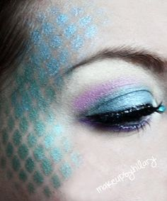 Halloween Look : Mermaid  fish nets and eye shadow
