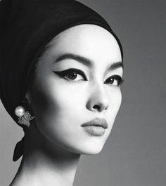 Fei-Fei-Sun-by-Steven-Meisel-for-Vogue-Italia-January-2013_11.jpg
