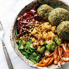 Lunch inspiration  A big bowl of goodness just what we fancy on this rainy Thursday ...