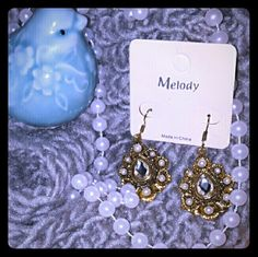 NWT Melody Drop earrings STUNNING ANTIQUE-LIKE FINISH Crystal & bronze Drop earrings BRAND: Melody  [best seller in my boutique] New with tags Heavier than usual dangle | drop earrings  RETAIL: $23.00  FIRM PRICE Melody Jewelry