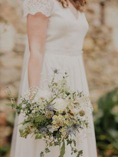 Un mariage simple et champêtre en Anjou à découvrir sur le blog mariage www.lamarieeauxpiedsnus - Photos : Capyture