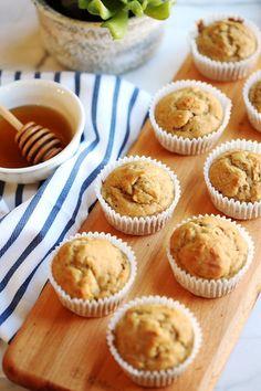 Banana Nut Bran Muffins - Eat Yourself Skinny Banana Breakfast Muffins, Breakfast Recipes, Brunch Recipes, Mini Banana Muffins, Protein Breakfast, Health Breakfast, Banana Bread, Boite A Lunch, Eat Yourself Skinny