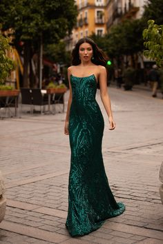 Ramira Sequin Gown - Emerald Emerald Prom/Formal Dress - A&N Luxe Pretty Prom Dresses, Elegant Dresses, Beautiful Dresses, Formal Dresses, Formal Dress Patterns, Gala Dresses, Quinceanera Dresses, Dance Dresses, Sequin Prom Dresses
