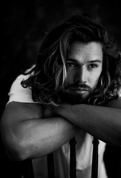Hair Photography, Photography Poses For Men, Beard Model, Short Beard, Men Photoshoot, Curly Hair Men, Portrait Inspiration, Man Photo, Beard Styles