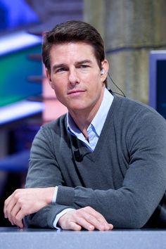 Tom Cruise Photos - Tom Cruise on Spanish TV - Zimbio