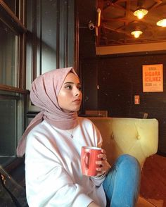 Image may contain: 1 person, sitting and indoor , # Fashion hijab Image may contain: 1 person, sitting and indoor Modest Dresses, Elegant Dresses, Vintage Dresses, Hijab Fashionista, Hijab Style, Hijab Chic, Hijabi Girl, Girl Hijab, Modern Hijab Fashion