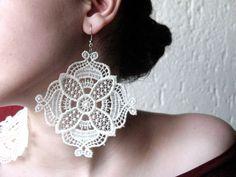 Ohrringe, weiße Spitze, quadratisch, groß von SpitzenDesign auf DaWanda.com