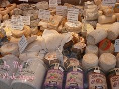 Many cheese on a parisien street