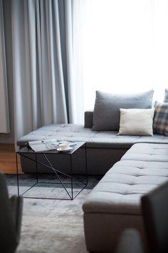 offener wohnbereich mit küche und essbereich. alles in grau und ... - Wohnideen Weiss Farben Modern Interieur