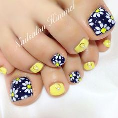 Nail art has end up being one of the greatest extras y… Finger Nail Designs Easy. Nail art has end up being one of the greatest extras you can add to your appearance. Regardless of whether you would like to dress it up, get inter Pretty Toe Nails, Cute Toe Nails, Diy Nails, Toenail Art Designs, Simple Nail Designs, Summer Toenail Designs, Flower Pedicure Designs, Toe Designs, Pedicure Nail Art