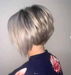 Hair Beauty - -Best Bob Haircuts and Hairstyles for Women in 2019 - Lead Hairstyles shortbobhairstyles Best Bob Haircuts, Inverted Bob Hairstyles, Messy Bob Hairstyles, Lob Hairstyle, Drawing Hairstyles, Anime Hairstyles, Bob Haircuts For Women, School Hairstyles, Celebrity Hairstyles