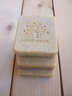 OATMEAL & HONEY SOAP - Handmade Oatmeal Soap with raw Honey and Milk - Natural Soap - Organic soap - Handmade soap - Vegan soap