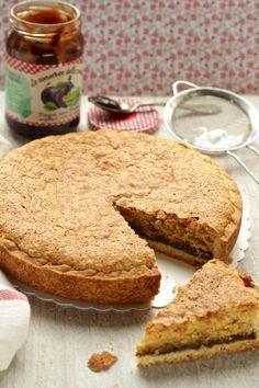 Torta delle Cattelani con frolla, confettura e crema di mandorle