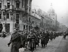 A szélnek eresztett légió – Az ávós nem vész el, csak átalakul Hungary, Old Photos, Revolution, Street View, Old Pictures, Vintage Photos