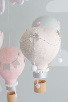Hot Air Balloon Baby Mobile Pink and Gray por sunshineandvodka