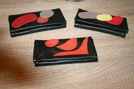 Ces blagues à tabac sont faites avec un pantalon en cuir d'Agneau. venez découvrir ma boutique www.creasof-creations-originales.com.