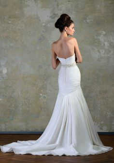 JUST LOVE » Wedding Dresses » Love Story 2013 Collection » Bien Savvy (back)