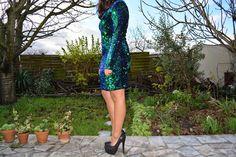 #strass #robe #tenue #look #blogger #bloggeuse #mode #fashion #style #bloggeusefrancaise #modefrancaise #fashion #blogger #blogmode #robestrass #talonshauts #escarpins #brillants