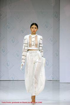 Tania Pardo, graduada en Diseño de Moda de ESNE, en Chapeau 2013, Moscú