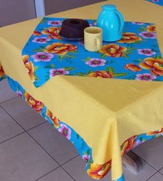 TOALHAS DE MESA com chita no Elo7   Dona Chita Decor (F1D015) Flower Quilts, Tablerunners, Beach Mat, Patches, Outdoor Blanket, Table Decorations, Interior, Crafts, Home Decor