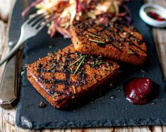 Peppered Tofu Steaks [Vegan] - One Green PlanetOne Green Planet Tofu Recipes, Grilling Recipes, Whole Food Recipes, Vegetarian Recipes, Vegetarian Steak, Vegan Grilling, Steaks, Tofu Steak, Vegetarian Food