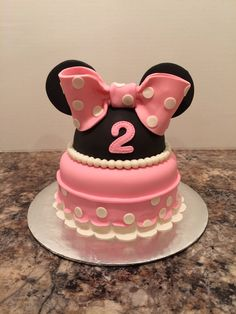 A little Minnie Mouse cake for my baby girl's Birthday :)