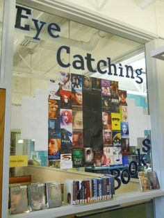 Teen Book Display - Eye Catching Books (printed book covers to make the eye. Library Work, Library Skills, Library Ideas, Free Library, Teen Library Displays, School Displays, Library Signage, Library Programs, Middle School Libraries