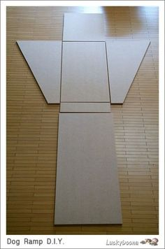Dog ramp with storage Can't read it, but pics tell me what I need to know Love it! dogramp is part of Dog stairs - Dog Ramp For Bed, Pet Ramp, Dog Bed, Diy Pour Chien, Game Mode, Dog Stairs, Pekinese, Dog Items, Animal Projects