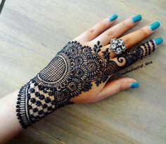 Wedding Henna Tattoo Designs - this is latest collection 100 Henna Designs for Wedding on Hand Brides for Beginners. all designs look very beautiful Modern Henna Designs, Back Hand Mehndi Designs, Finger Henna Designs, Mehndi Designs For Girls, Mehndi Designs For Beginners, Dulhan Mehndi Designs, Wedding Mehndi Designs, Mehndi Designs For Fingers, Mehndi Design Images