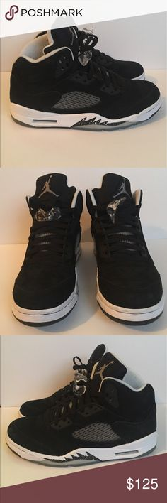 Nike Air Jordan V Oreo's men's size 8.5 Nike Air Jordan V Oreo's men's size 8.5. Excellent condition. Worn lightly a couple times. Inner front portion of left and right shoe has slight discoloration. Jordan Shoes Athletic Shoes