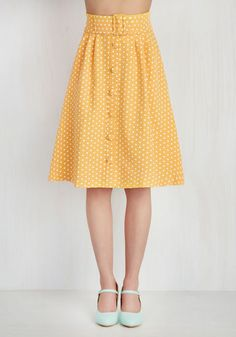 Yellow A-line 1940s style button down skirt. I need 10 of these in my closet.