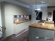 Strakke keuken uitgevoerd met echte betonfronten!