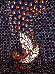 Motif Batik Truntum Selingan Peksi Merak