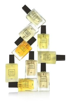 Perfumes Perfume, Business Opportunities, Fragrances, Usb Flash Drive, Beauty Makeup, Store, Winter, Hair, Winter Time