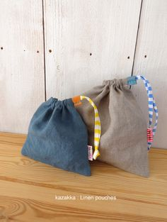 linen drawstring bags with striped strings Fabric Crafts, Sewing Crafts, Small Sewing Projects, Ideias Diy, Fabric Bags, Little Bag, Handmade Bags, Bag Storage, Bag Making