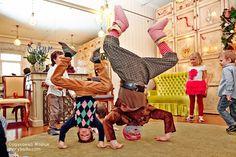 Наши гости могут стоять на голове! #гном #деньрождения #домикалисы #newyearparty