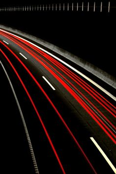 Night Shot on the Highway / Black + Red Time Lapse Photography, Film Photography, Abstract Photography, Light Trail Photography, Site Image, Light Trails, Traffic Light, Jolie Photo, Light Painting