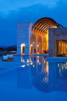 Blue Palace Resort & Spa, Elounda—Arsenali Lounge Bar Pool | por Luxury Collection Hotels and Resorts