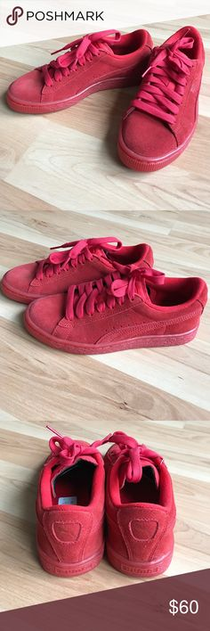 KIDS Puma Suede Red NEW Kids Size 4 (close fit to a woman's size 5). New never worn. Puma Shoes Sneakers